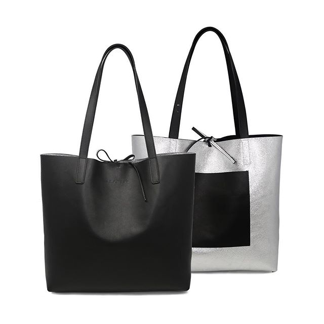 More color options for our new tote that is reversible! 😮 Available in June. #reversibletote #blackandsilver #italianleather #aramlee