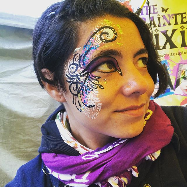 Great weekend @glowfairfestival What a creative gig! I love painting adults. So much creative expression! The only problem is the festival stays open really late and today I'm dragging my sleepy eyes on route to my morning birthday gigs. Life is hard as a face painter lol 😂 Happy Sunday everyone!! #summer #facepainting #pride #glowinthedarkparty #ottawaevents #ottawalife #waypastmybedtime #bankstreet #streetfestival
