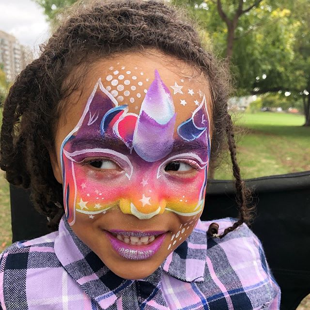 A little bit of unicorn magic for your Sunday afternoon. Hope you all had a fabulous weekend #unicorn #facepainting #birthday #birthdaypartyideas #facepaintingatthepark #ottawalife #paintedpixie