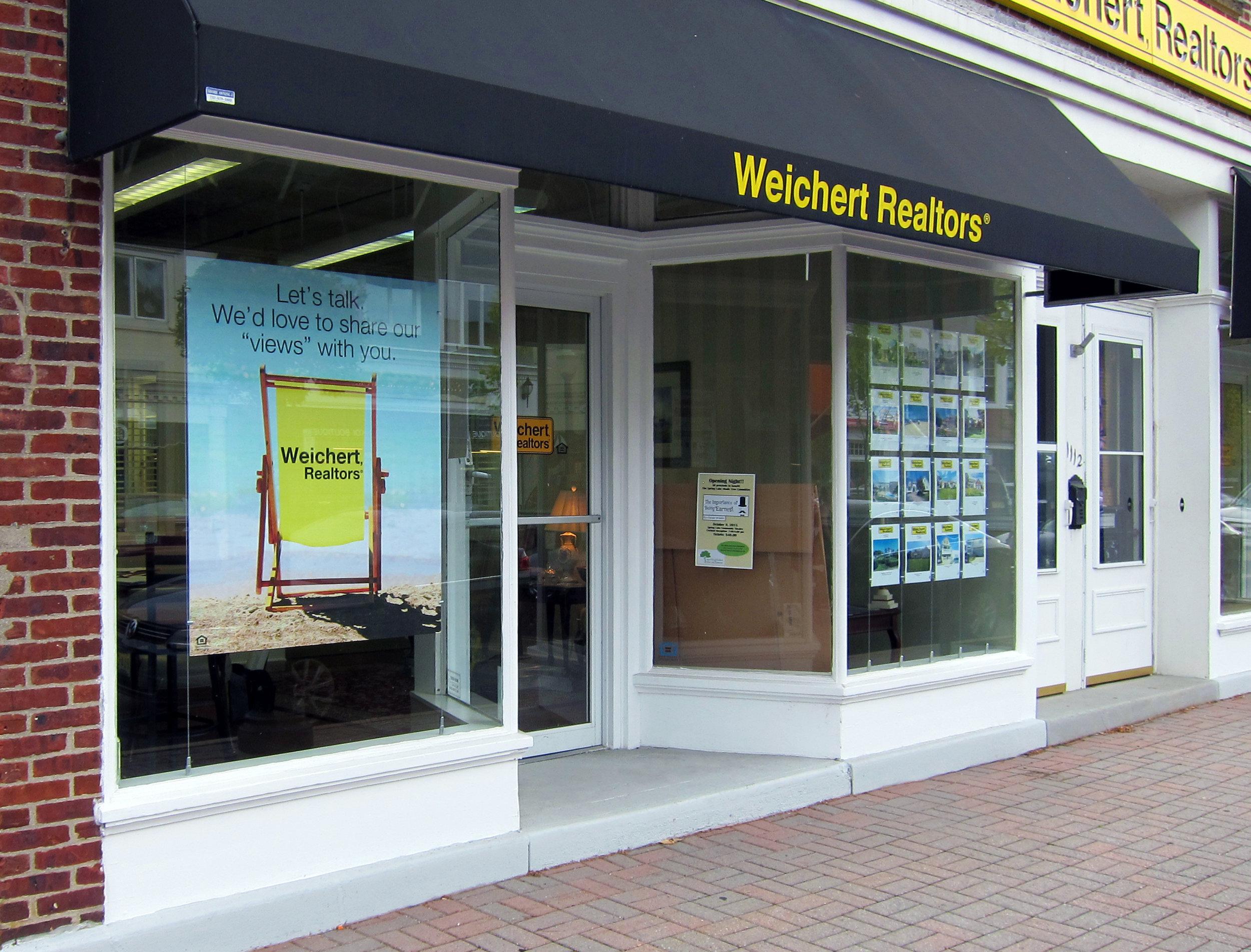 5x4 - Suspended Sign Holders - Window Displays.JPG