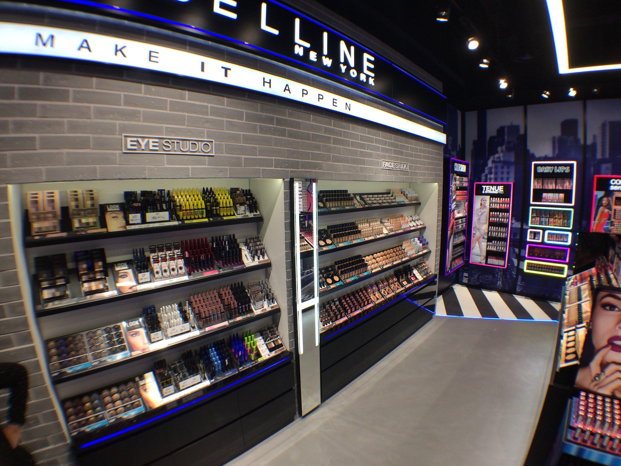 Boutique Maybelline, Paris_02.JPG