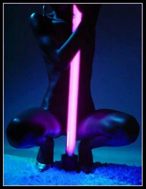 741ffc7cf60c3114b10c2513ca70507c--poledance-bodyrock.jpg