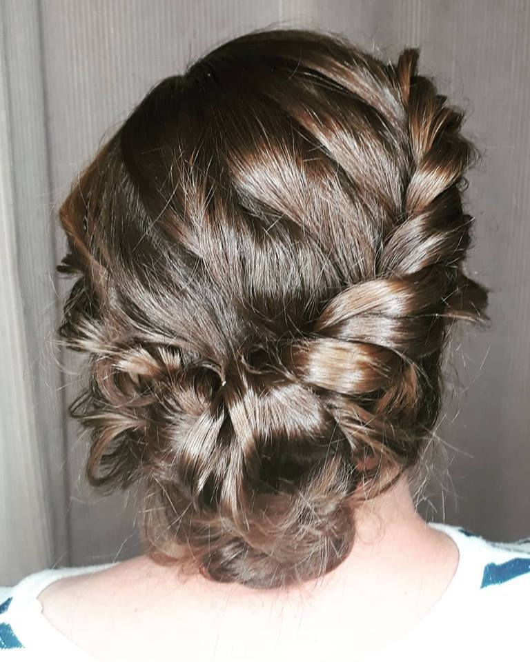 bridesmaid-weddinghair-ropebraid-bun-berkshire-vegan-crueltyfree.jpg