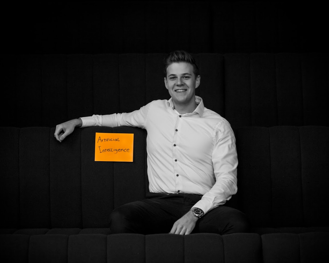 Jordi Daniels (NL) Company: Saab Technologies ( saab.com/security/#maritime-traffic-management )  Function: (Trainee) Technical Manager  Study background: BSc. HBO-ICT Business IT & Management; MSc. Information Science – Business Information Systems
