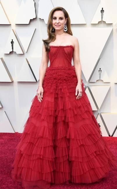 rs_634x1024-190224145743-634-2019-oscar-academy-awards-red-carpet-fashions-Marina-de-Tavira.jpg