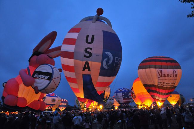 The Great Balloon Festival - April 25th- 27thThe Great Balloon race is one of the most popular Kentucky Derby Festival events. This fun event is perfect for all ages, and features the Great Balloon Glow, a hot air balloon race, and much more!
