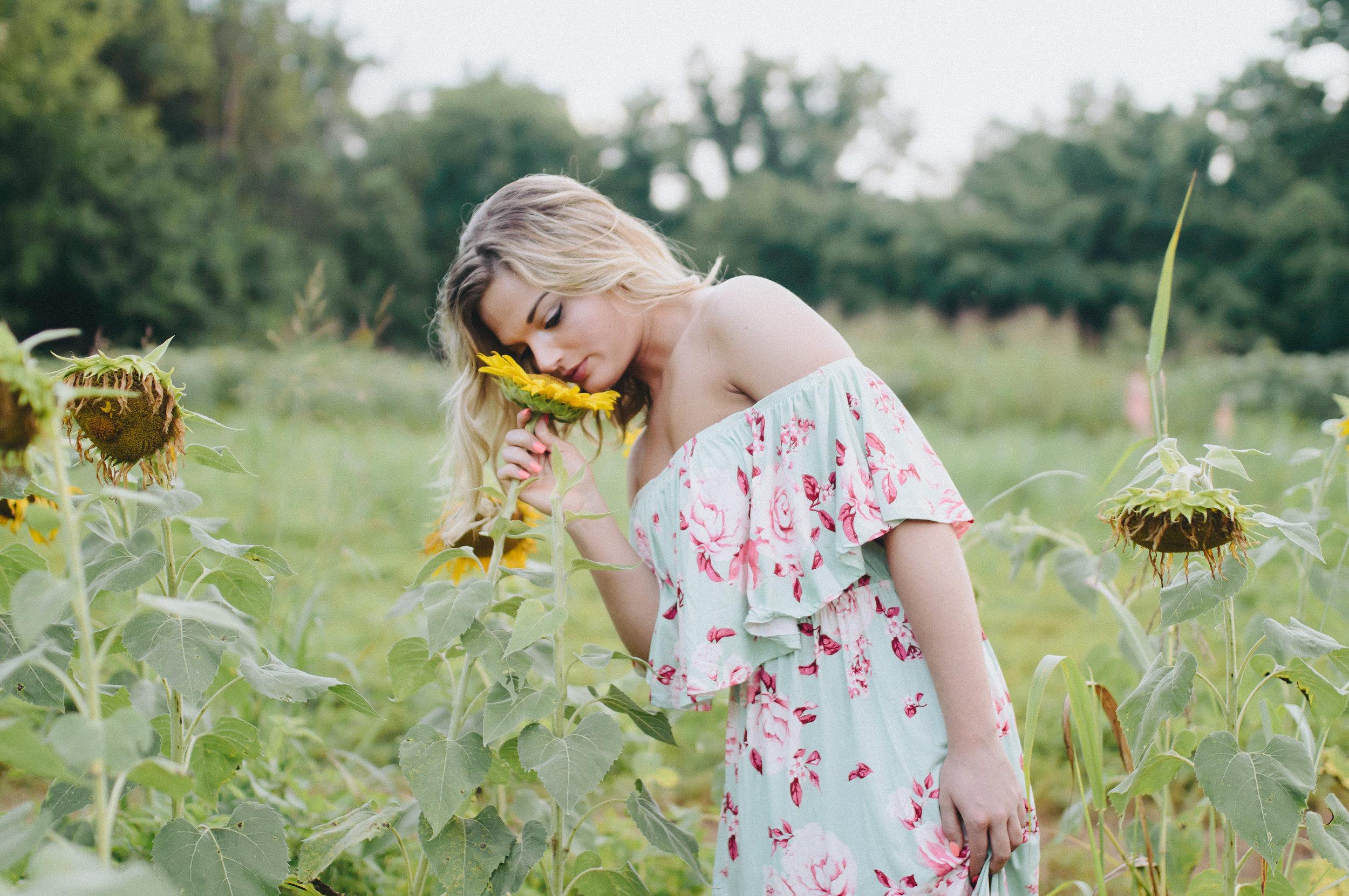 SouthernDaugherSunflowers - EDITS-21.jpg