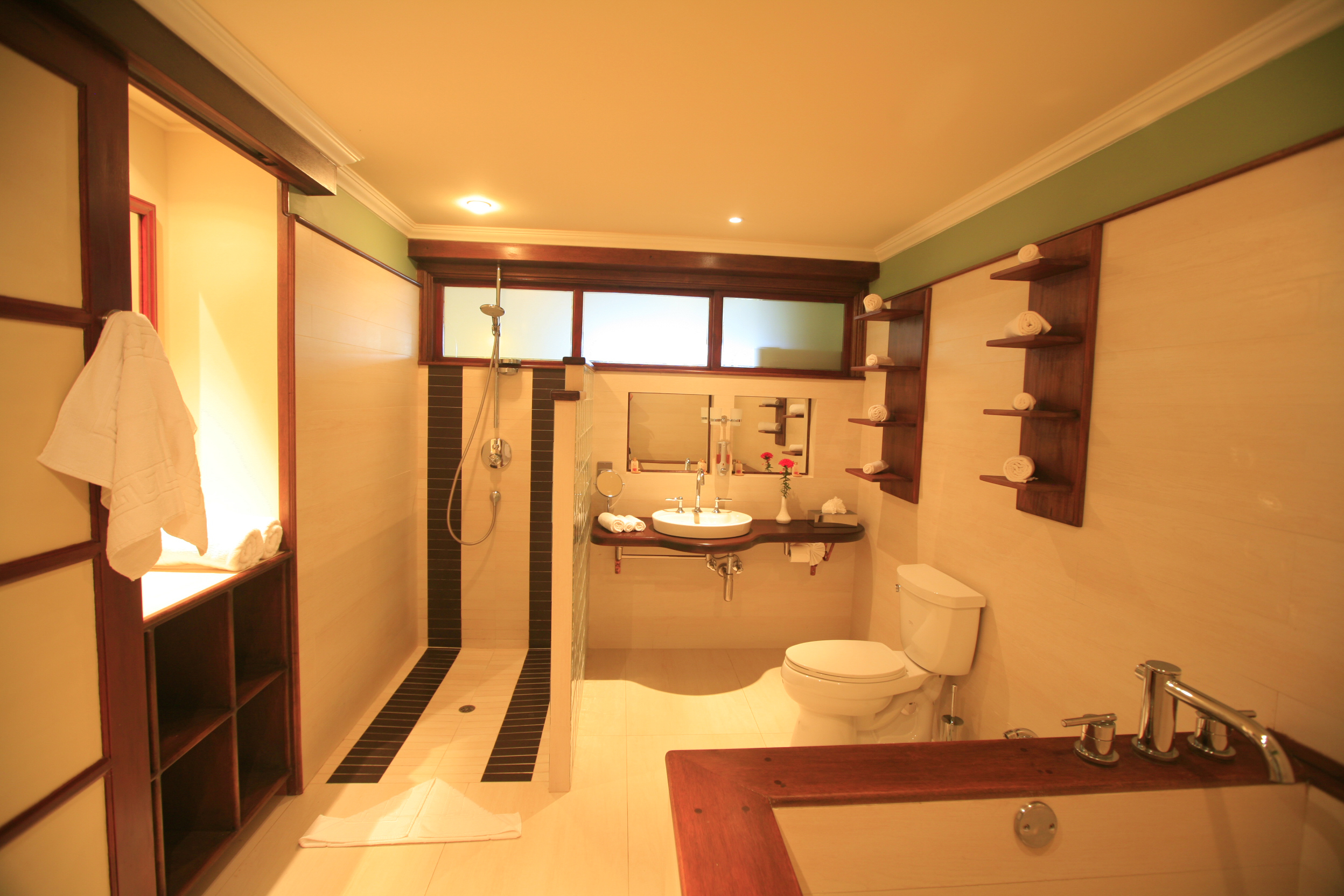 Cherry Apartment Bathroom.jpg