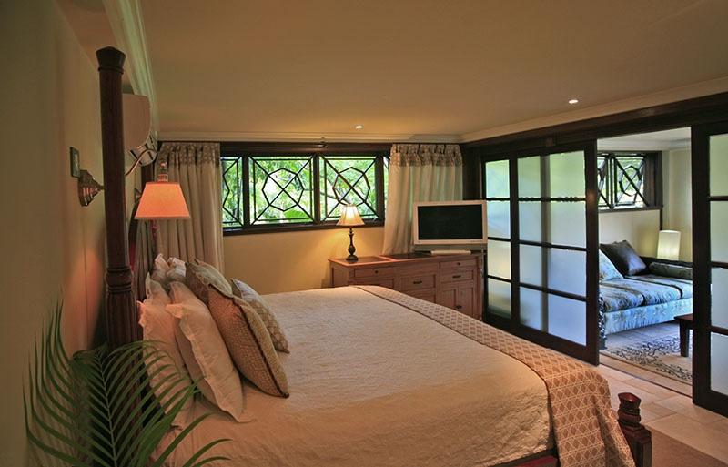 Cherry Apartment bedroom.jpg