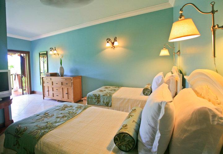 Flamboyant Room.jpg