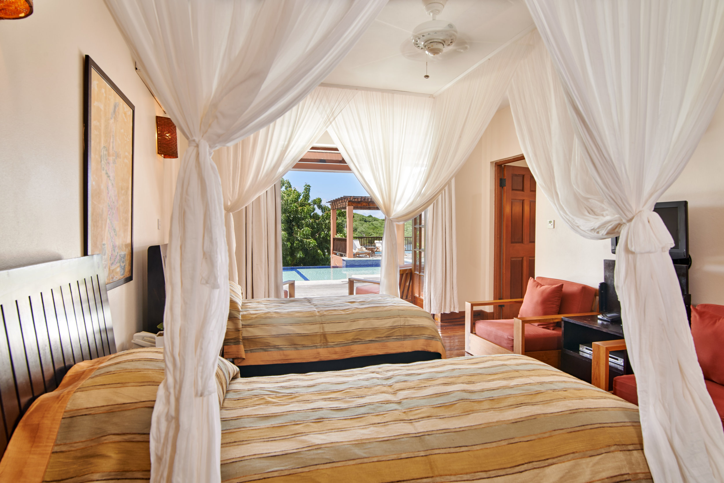 PoolHouse_bedroom2_2.jpg