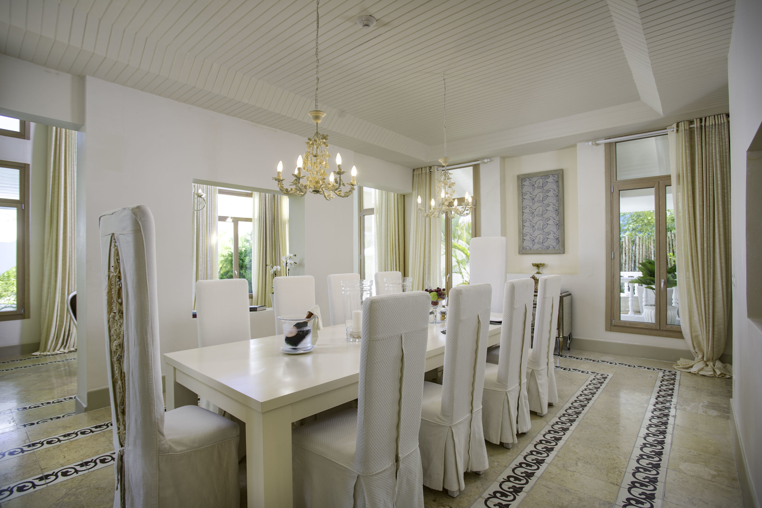 Four Bedroom Imperial Villa_Dining Room_1027.jpg