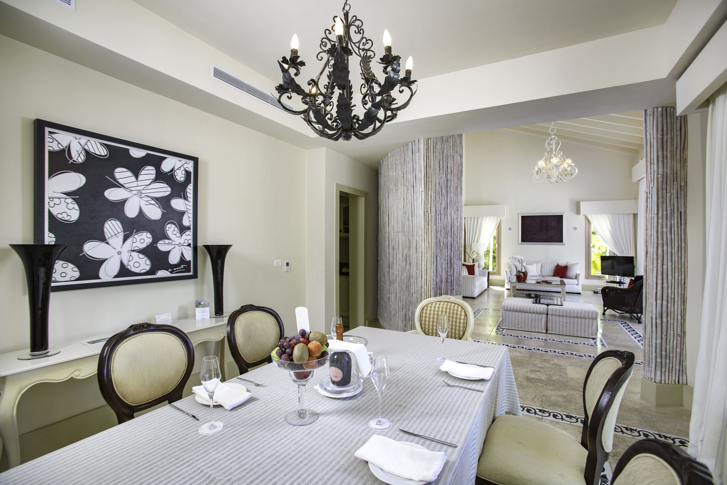 Three Bedroom Royale Villa_Dining Room_0367.jpg