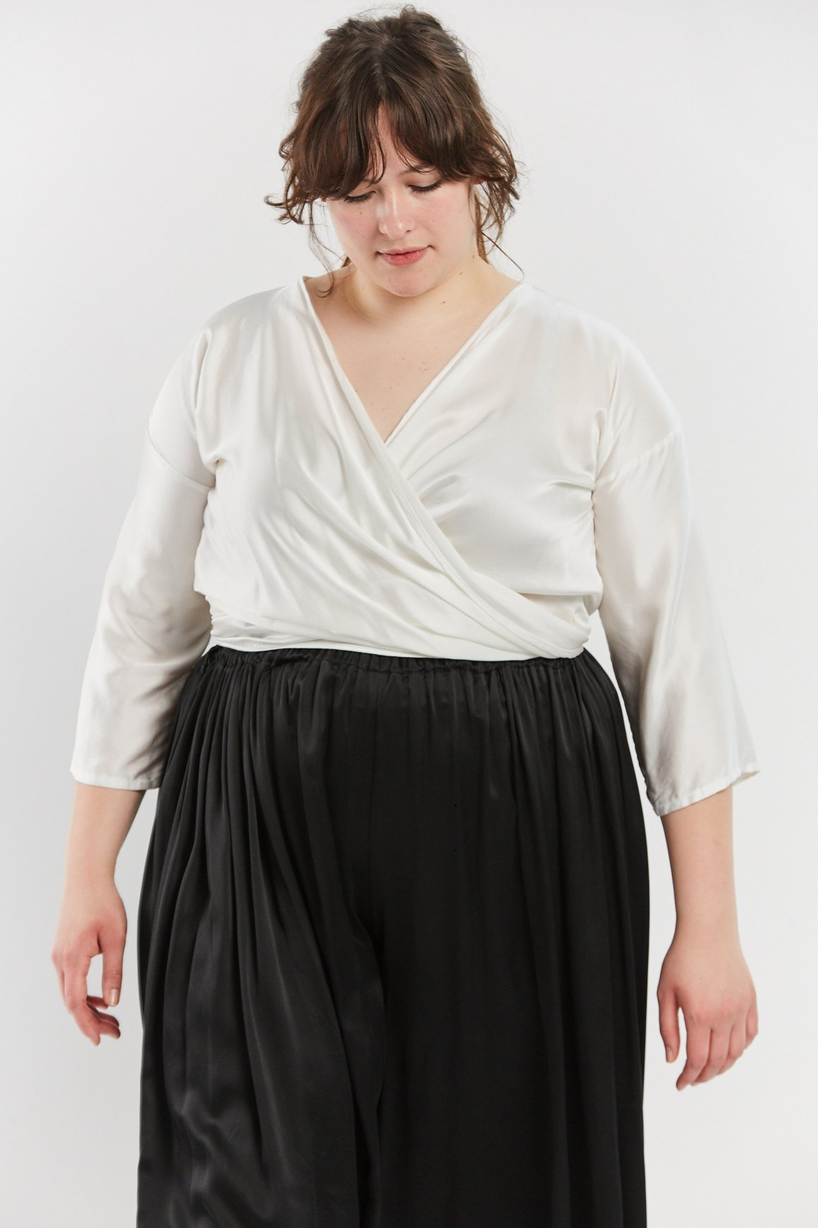 MIRANDA BENNETT (ECO) - Beautiful and delicate tops, dresses and pants with one size design.$$-$$$, US, Sizes: 0 - 22, Worldwide delivery