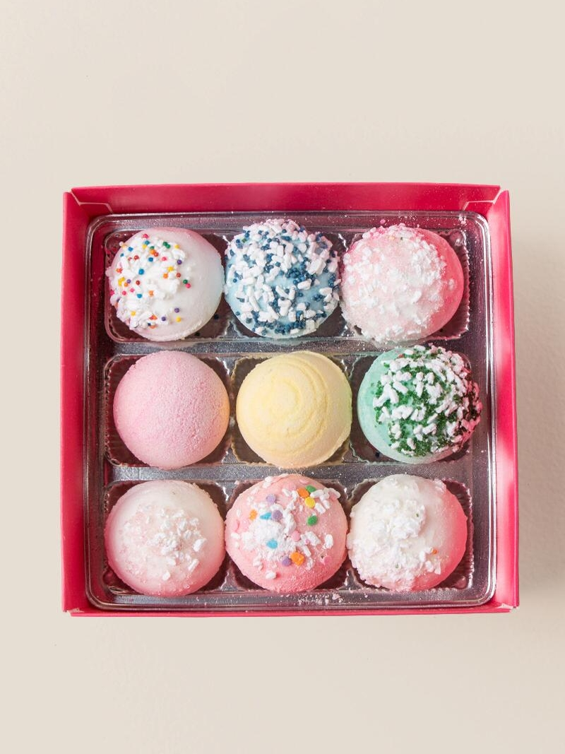 Truffle Bath Bombs - Mom deserves a few minutes to relax...and what could be better than these adorable truffle shaped bath bombs!? They almost look good enough to eat, and are just $20 from Francesca's.