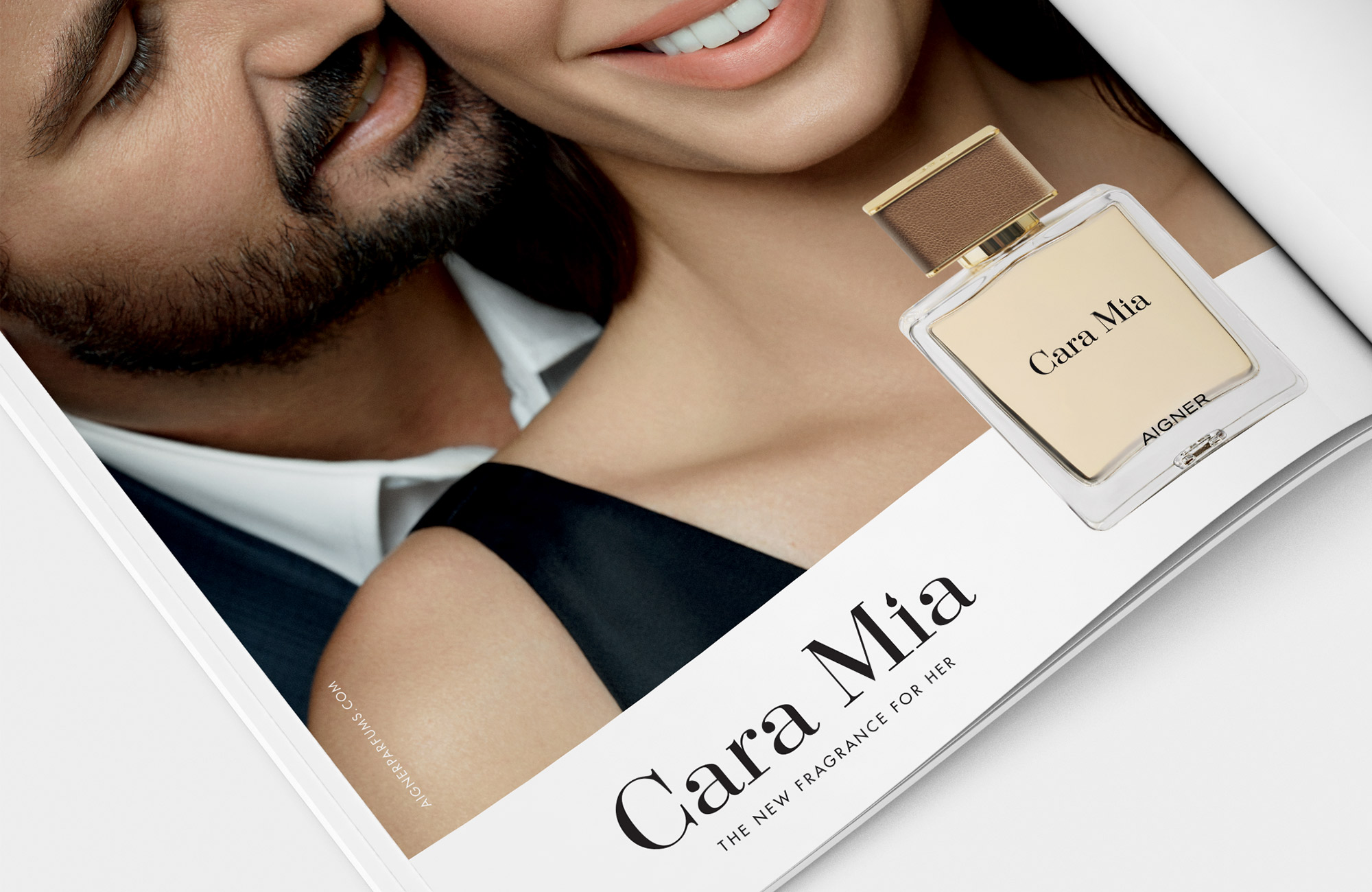 TG_WEBSITE_AIGNER_FRAGRANCE_CARA_MIA_2000X1300PX_ANZEIGE_CLOSE_UP.jpg