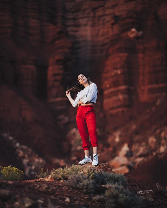 Back when I felt like a fashion photographer with @whatthechic Capital Reef seems like it's the least known park in Utah, but it might be one of my favorites. Truly feels like the Wild West. @visittheusa #UnitedStories
