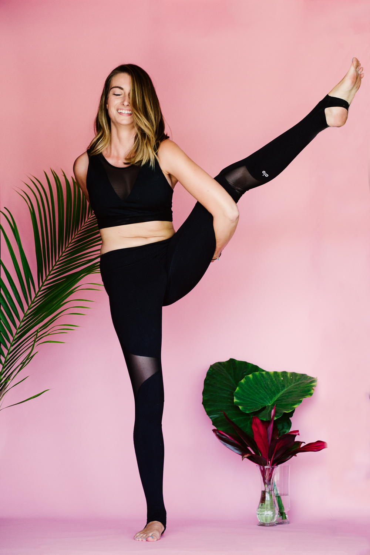 Caitlin_yoga_lifestyle_vaniaelise-J18A1987-Edit-Edit.jpg