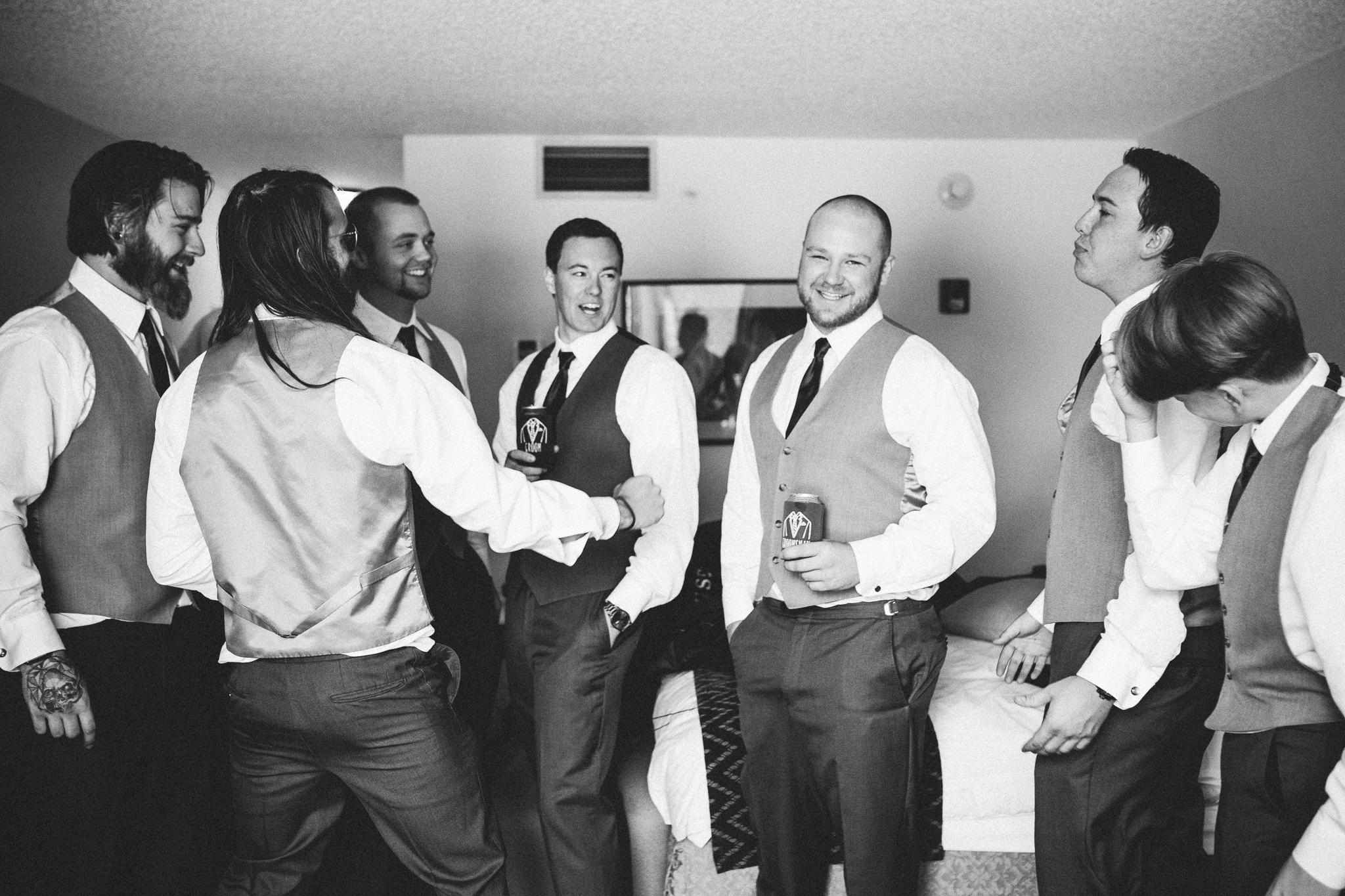 groomsmenblog-1566.jpg