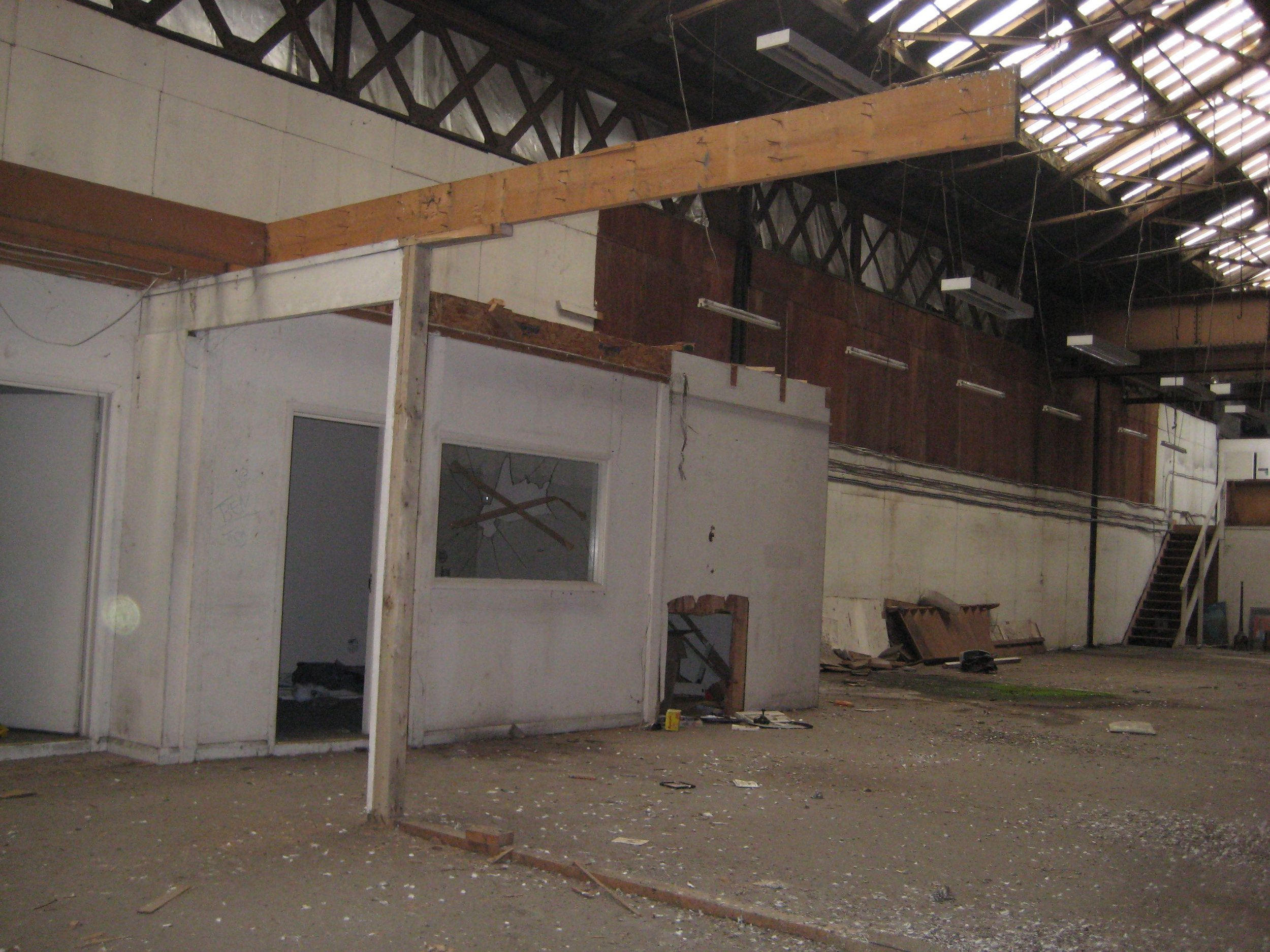 LXXXI Interior design_ wall removal_exposed cross-beam.jpg
