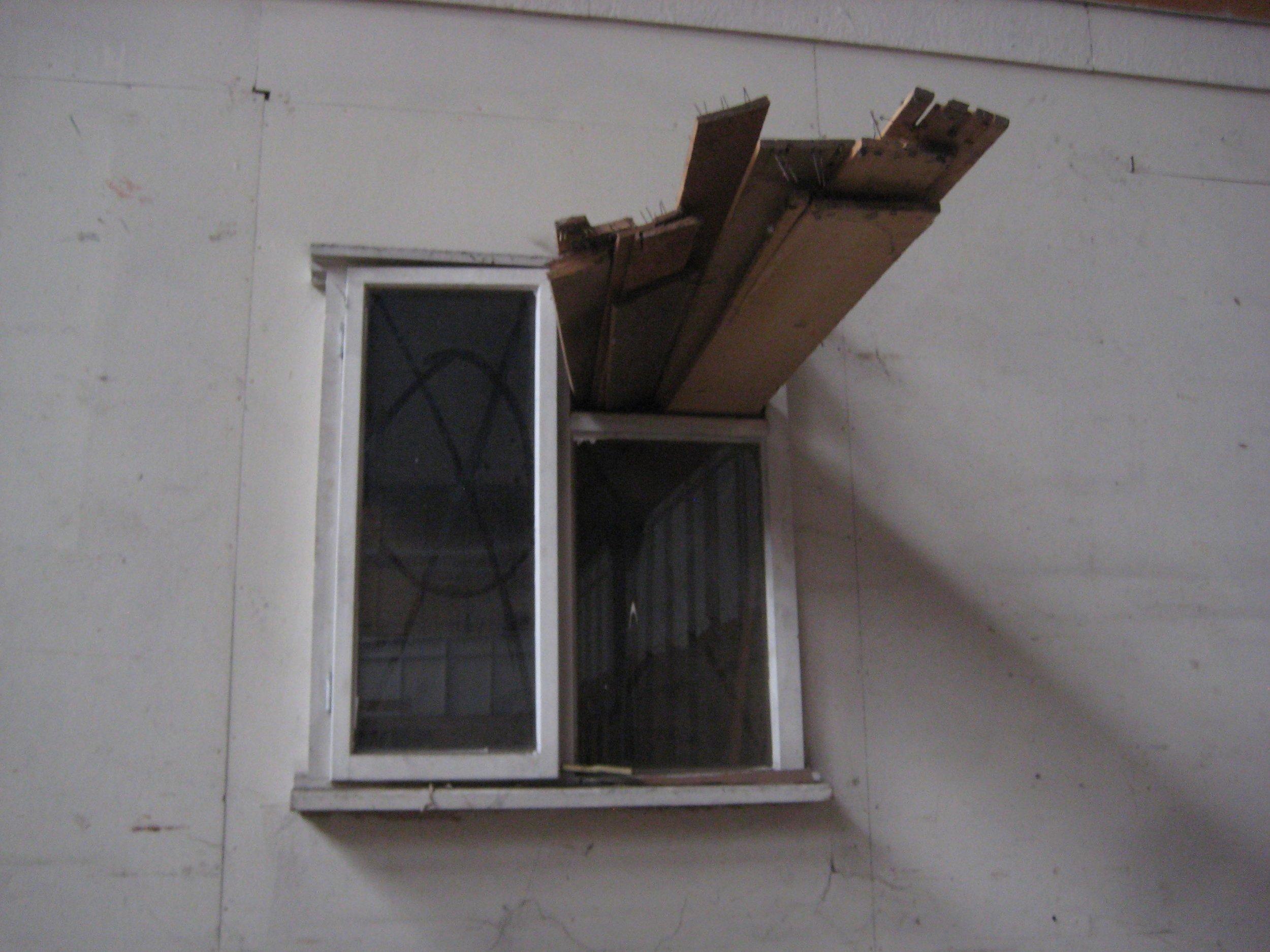 VIII Window wedge 1 (with symbol).jpg