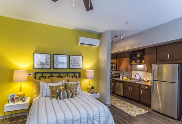 Studios, 1 Bedroom, 2 Bedroom, and 3 Bedroom Apartments Walking Distance to Downtown