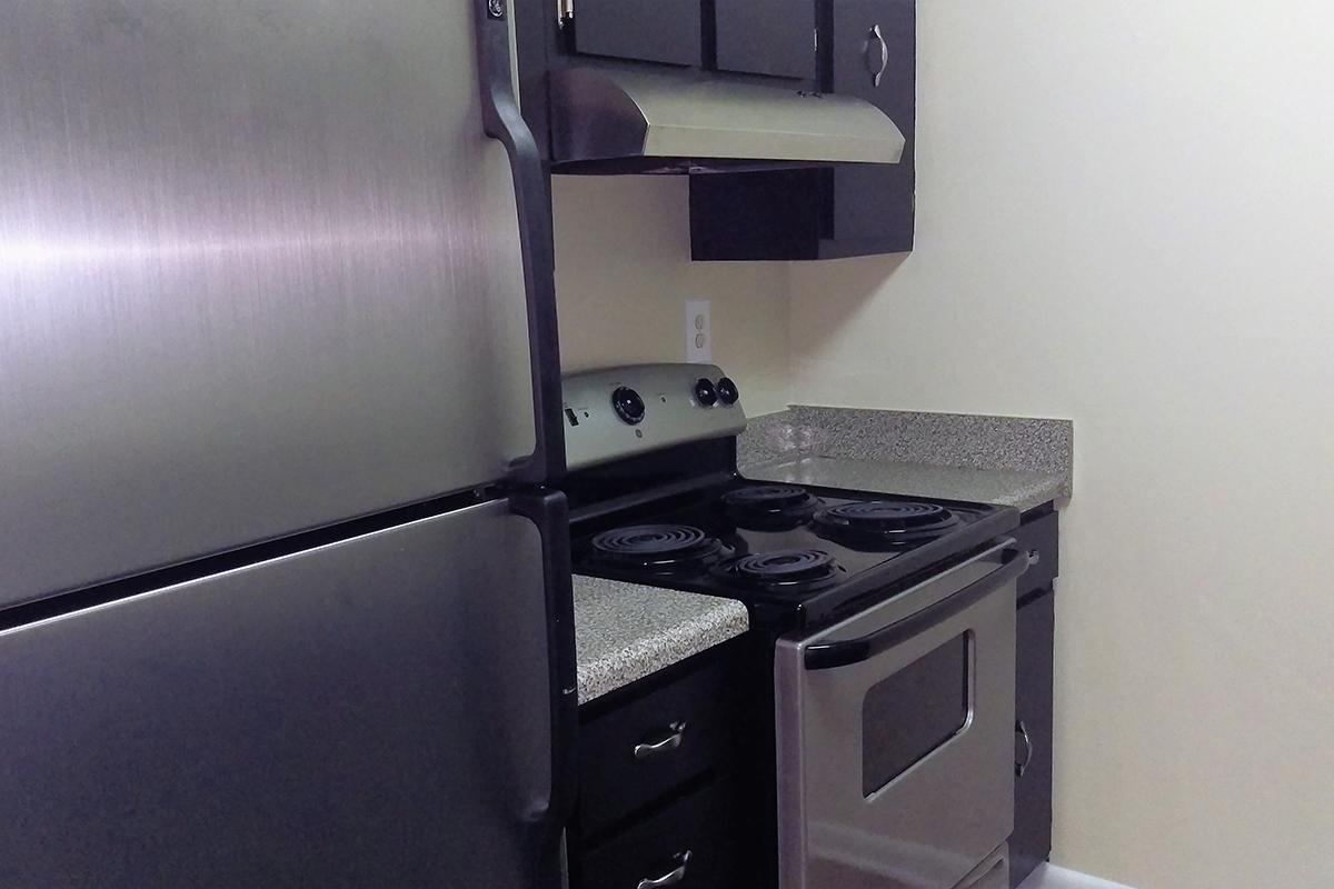 Upgraded Appliances in West Nashville TN Kitchen for Rent with good credit and bad credit