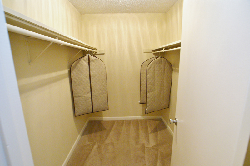 Large Walk In closets near Nashville TN in Hendersonville and Gallatin