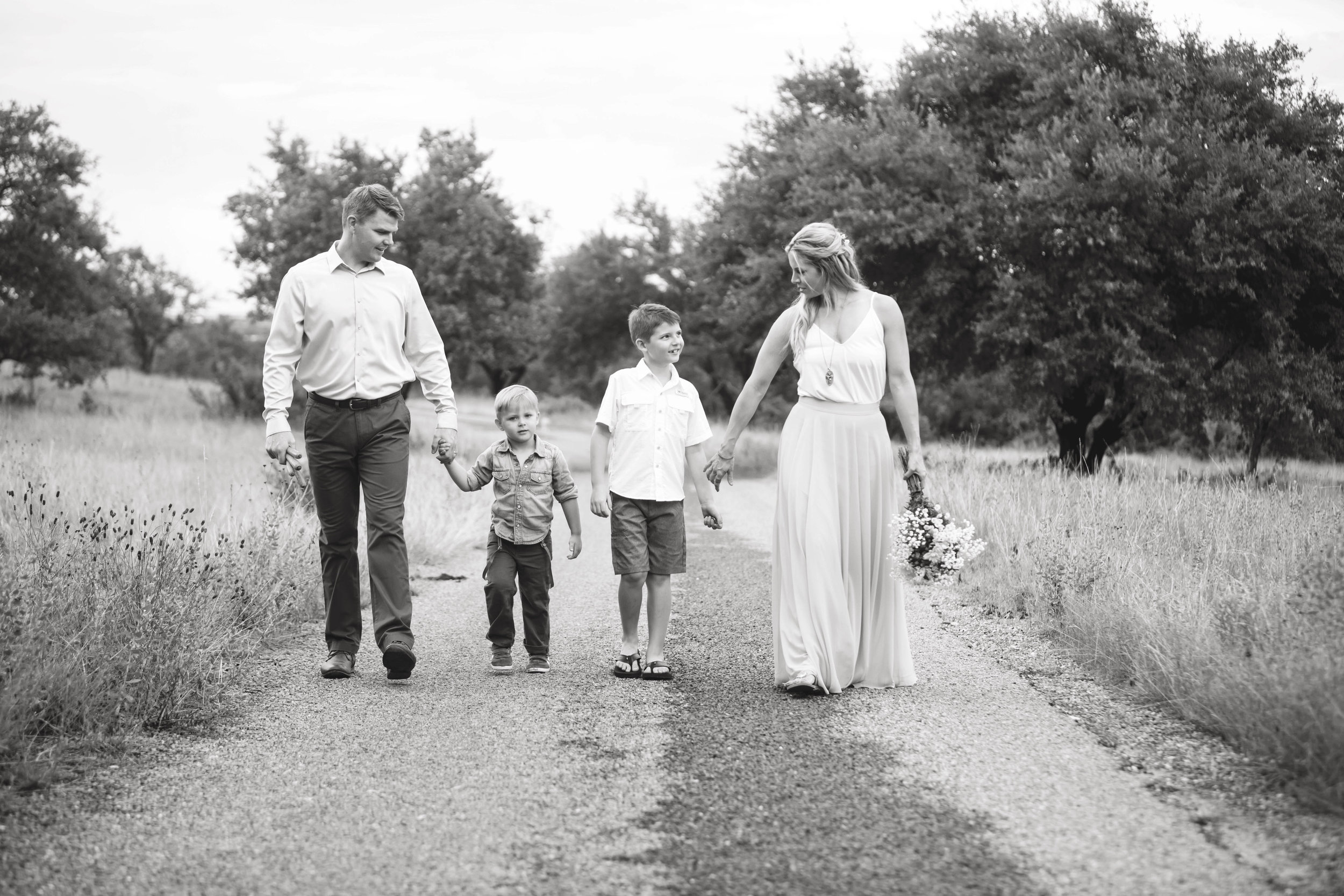 Marble_Falls_Milliorn_Family_Photographer_Jenna_Petty_01.jpg