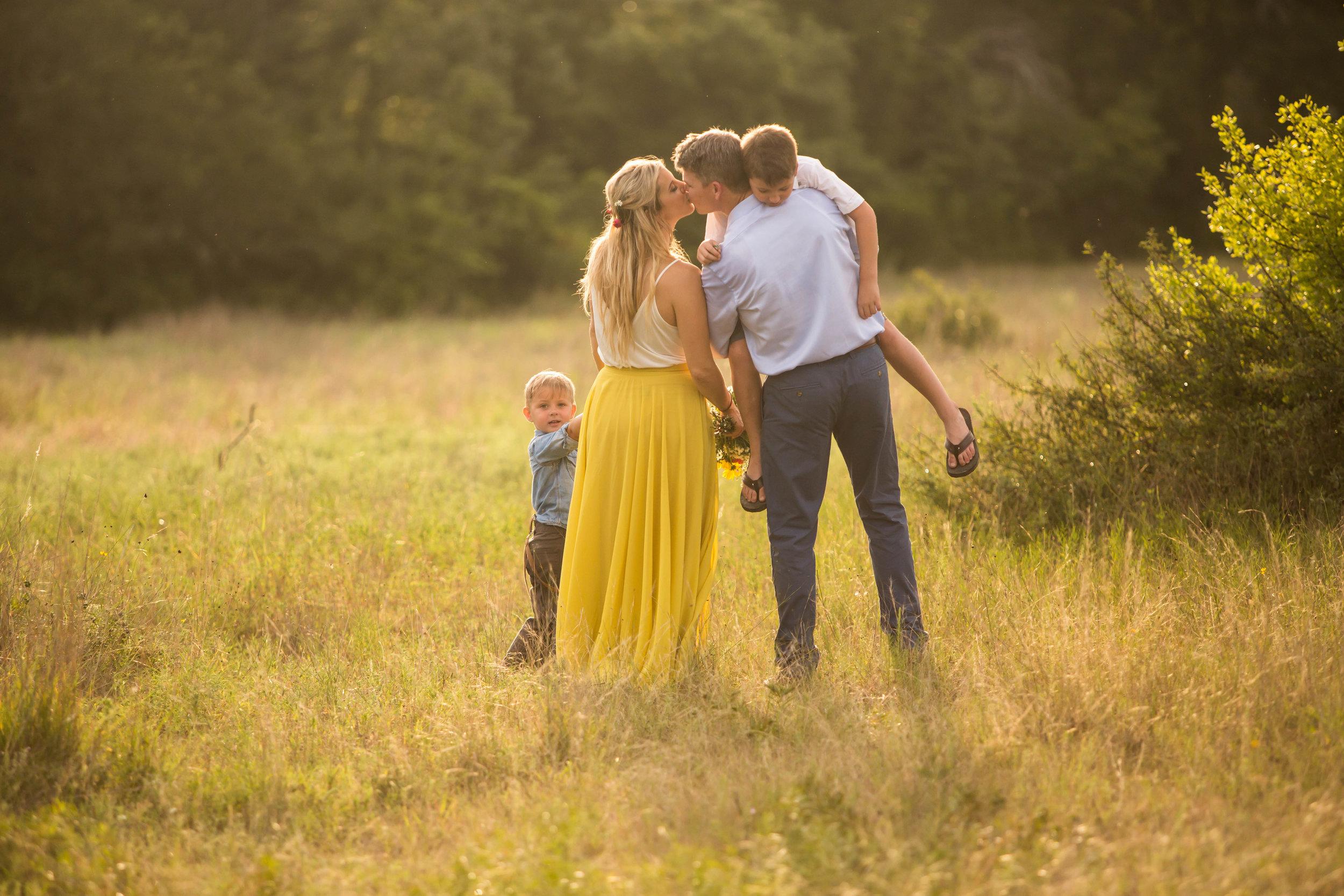 Marble_Falls_Milliorn_Family_Photographer_Jenna_Petty_16.jpg