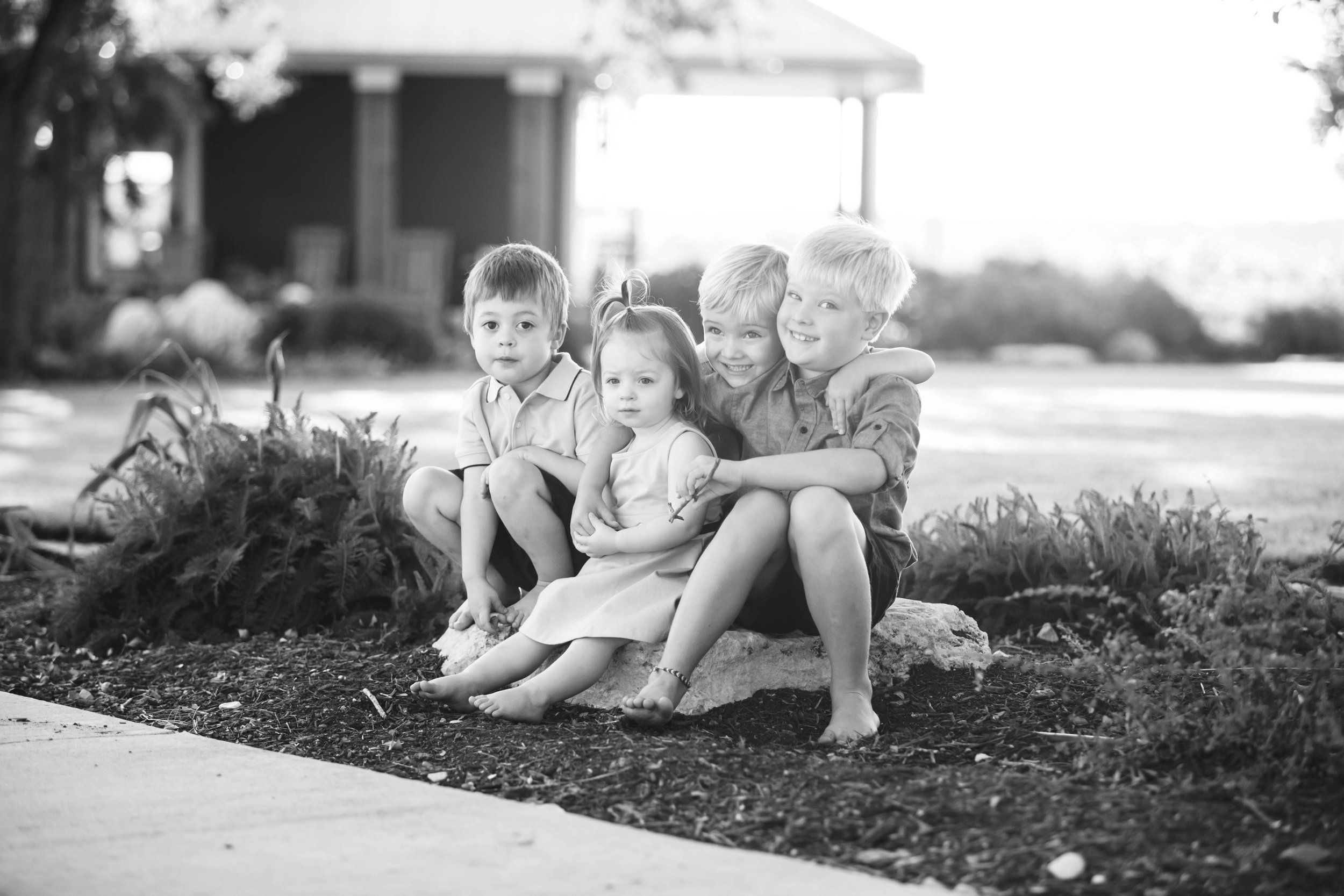 Marble_Falls_Family_Photographer_Farm_Jenna_Petty_02.jpg