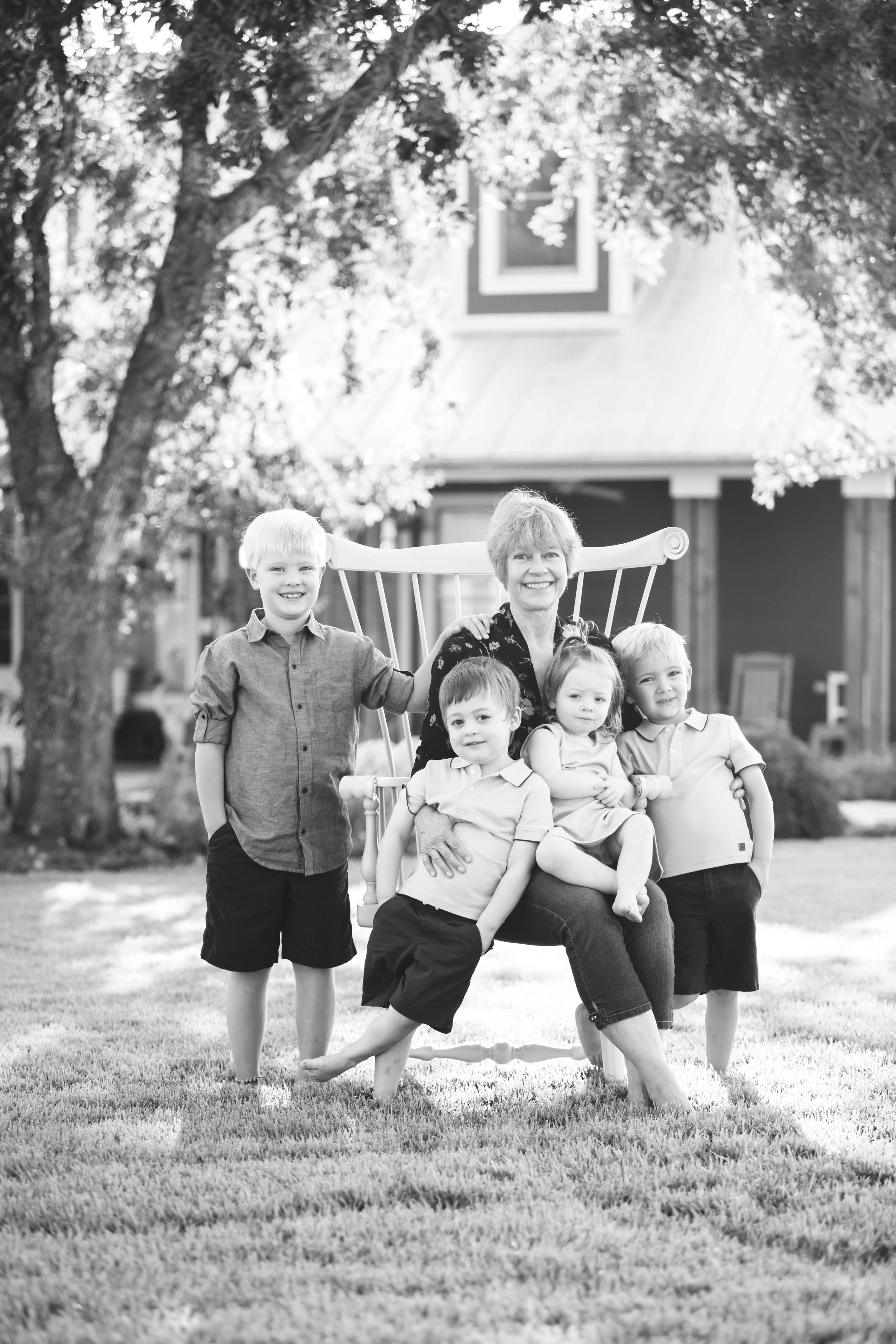 Marble_Falls_Family_Photographer_Farm_Jenna_Petty_04.jpg