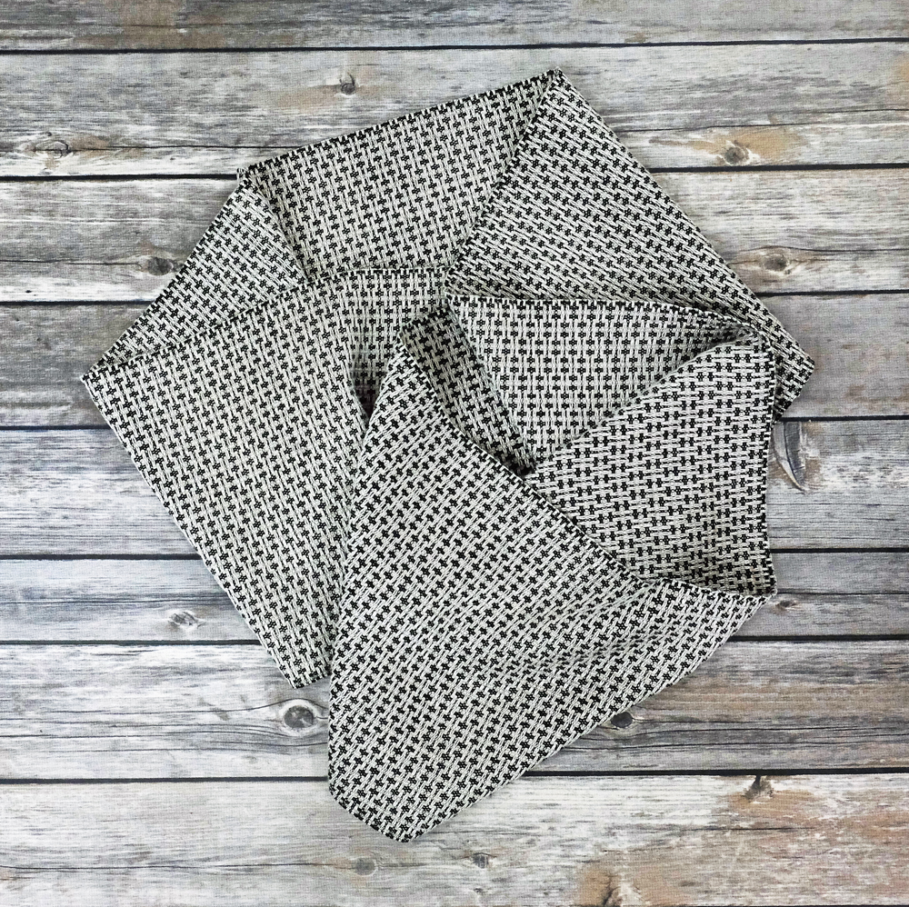 beigeblack-scarf-DSCF7010-sm.jpg