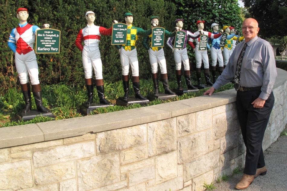 jockey-statues.jpg