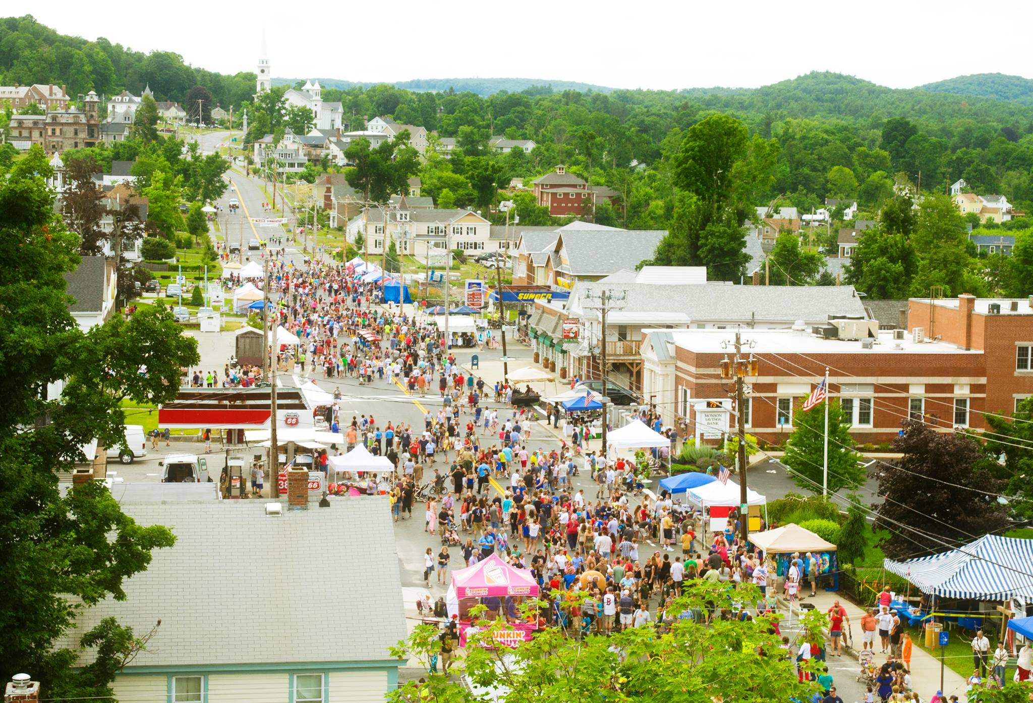 Monson Summerfest Draws on Average 10,000 to 13,000 People!