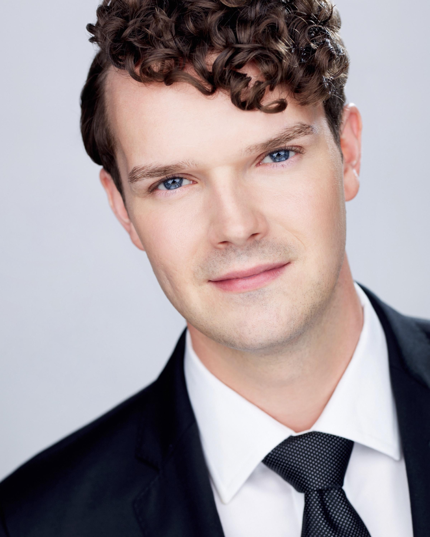Brian Giebler, tenor