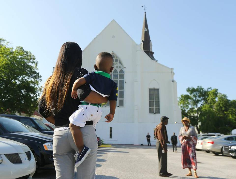 charleston-shooting4.jpg