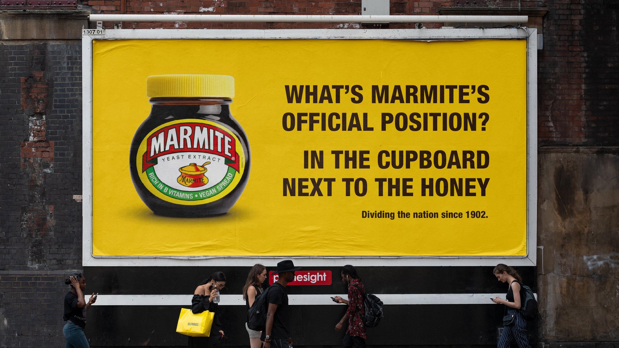 225_billboard_urban_poster_mockup.jpg