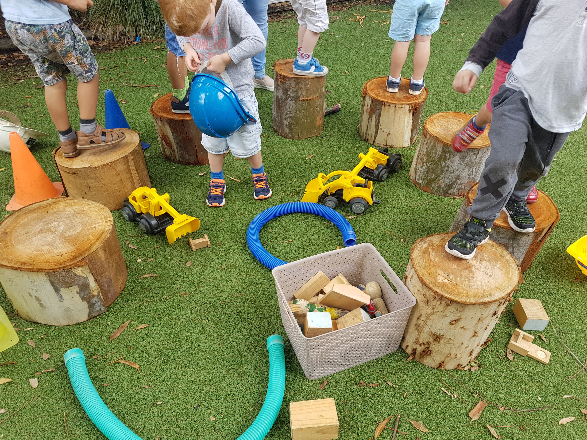 Outdoor learning environments - Log obstacle course Feb 2017.jpg