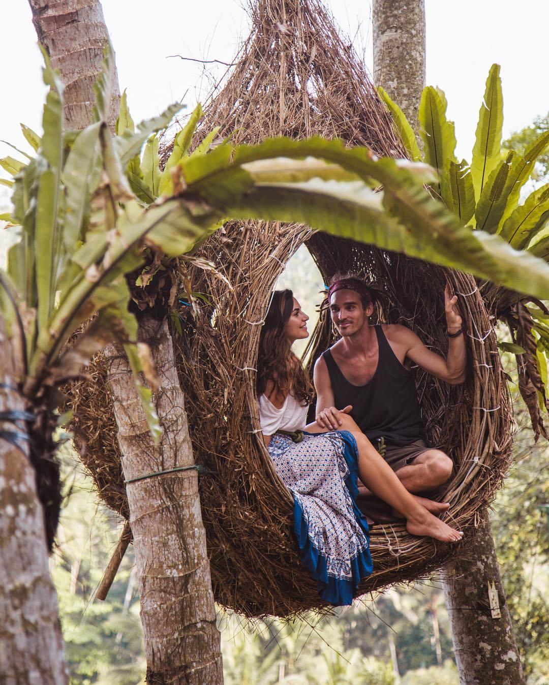 Raya surprised her partner Louis in Bali during his world flight voyage. Photo: @jcpieri