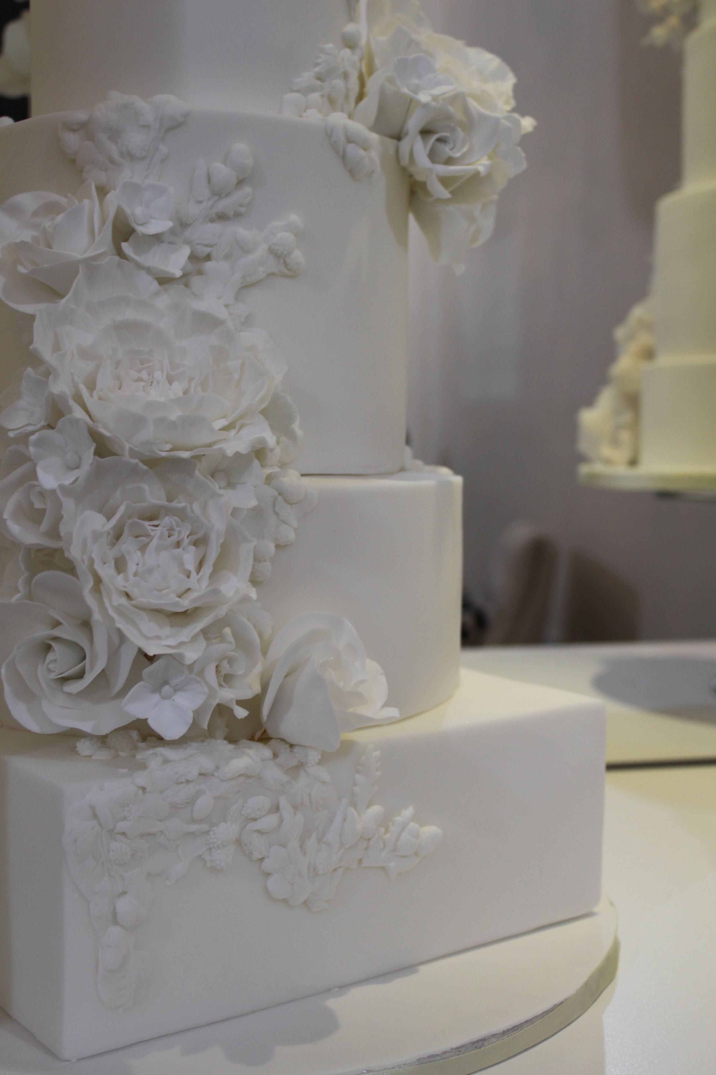 rosewood cakes - luxury wedding cakes glasgow - jordana events bridal garden
