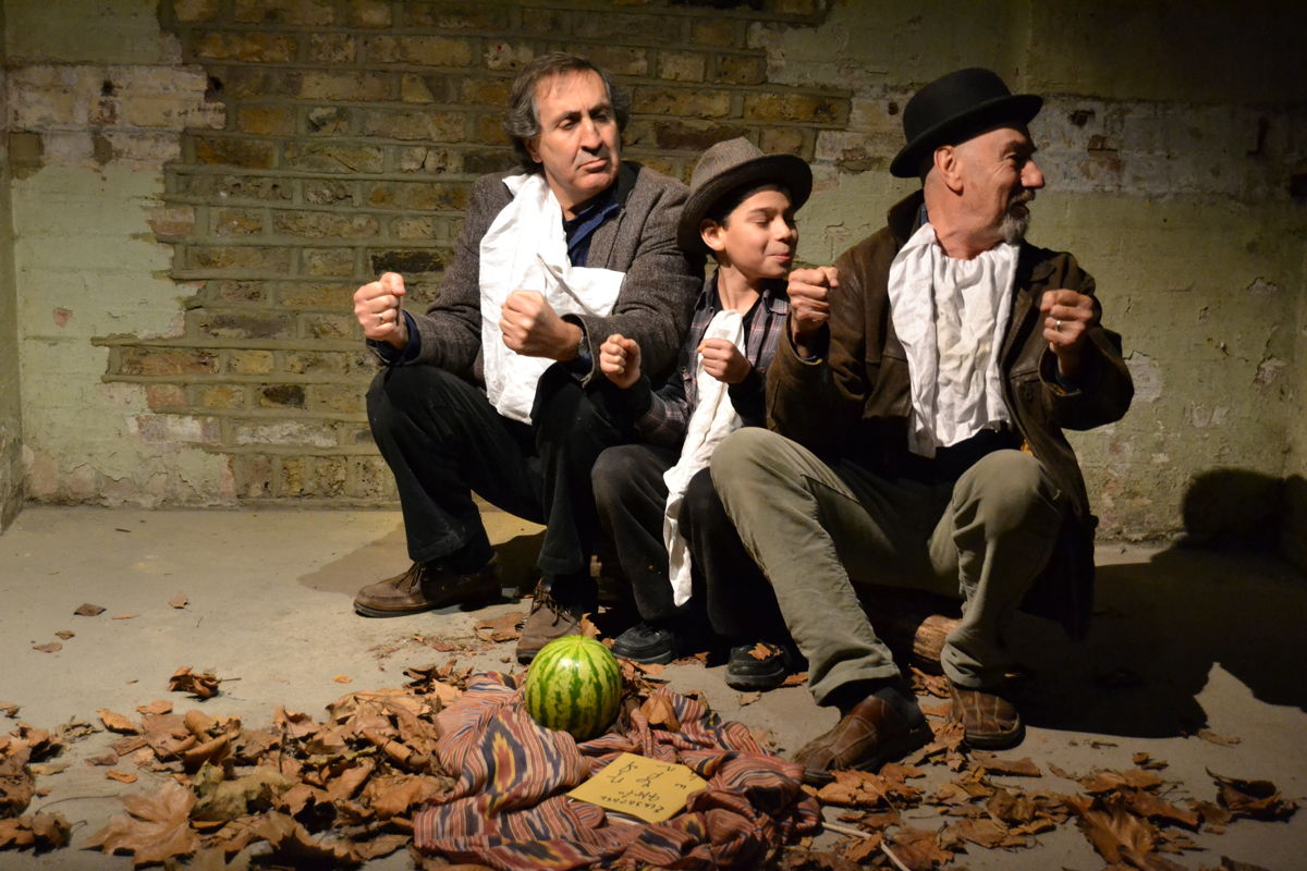"""Scene from """"Walnuts"""" (devised and directed by Seta White). © Alexei Emam"""