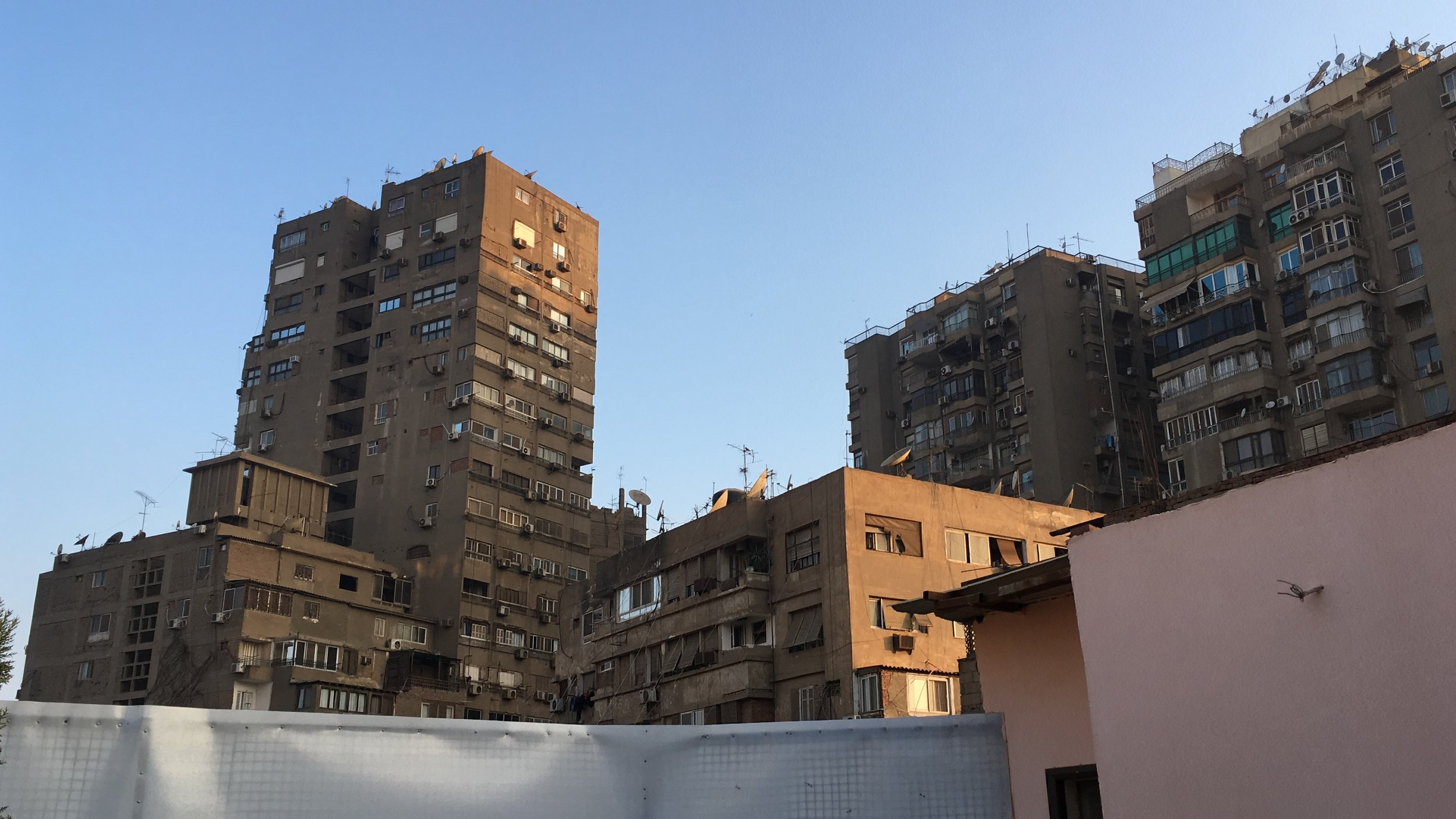 Zamalek-an affluent area-not so much in the way it looks (8).JPG