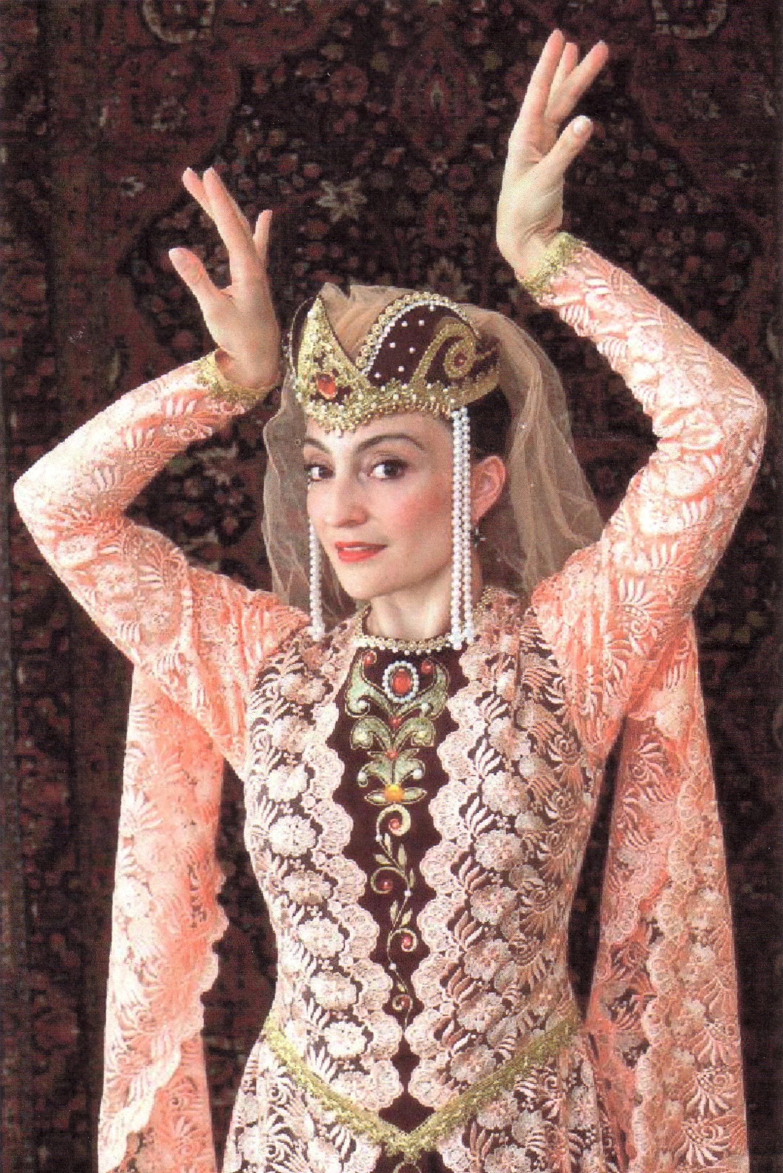 Shakeh Major Tchilingirian, Dancer and Orthoptist.