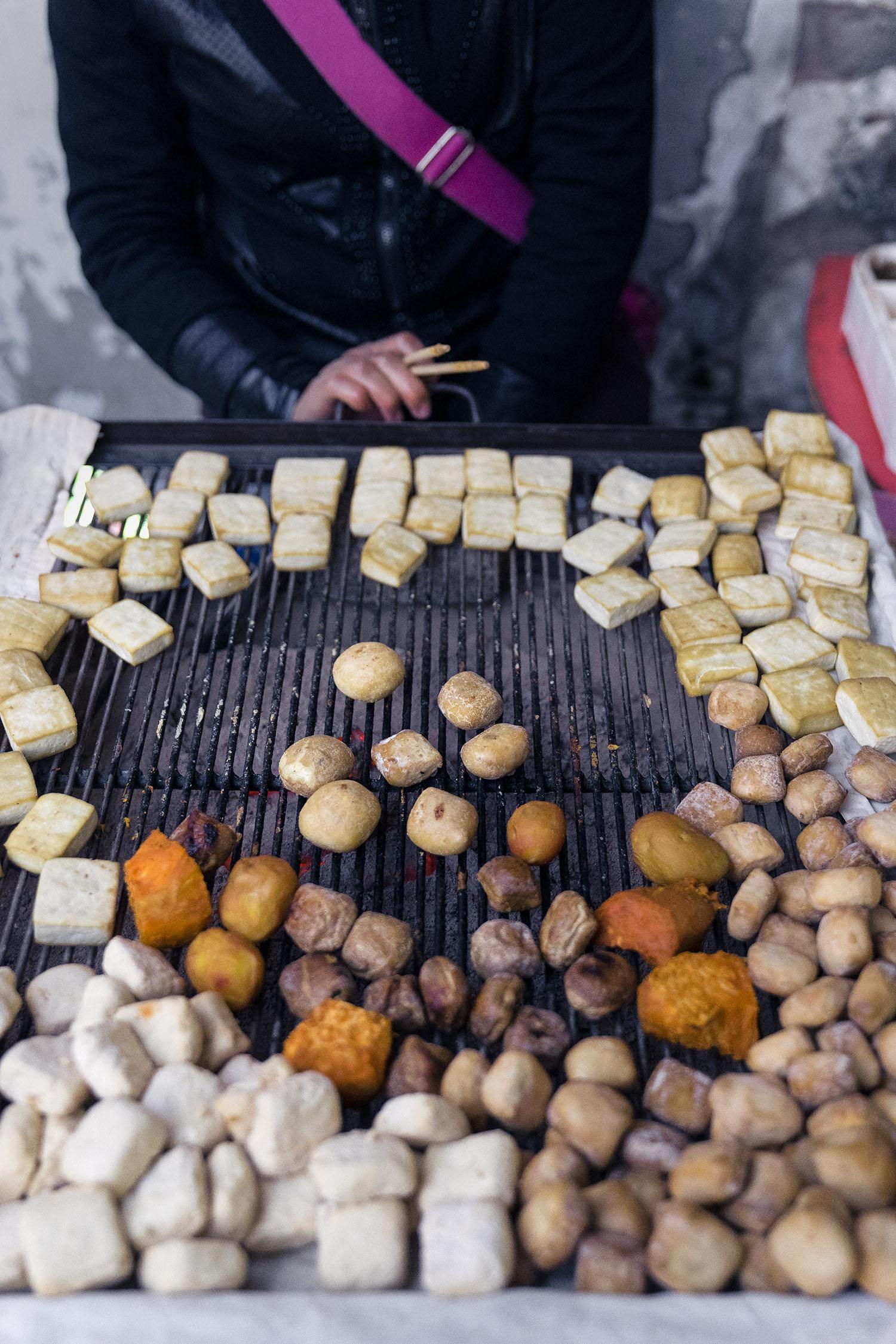 grilling_tofu_jianshui_china