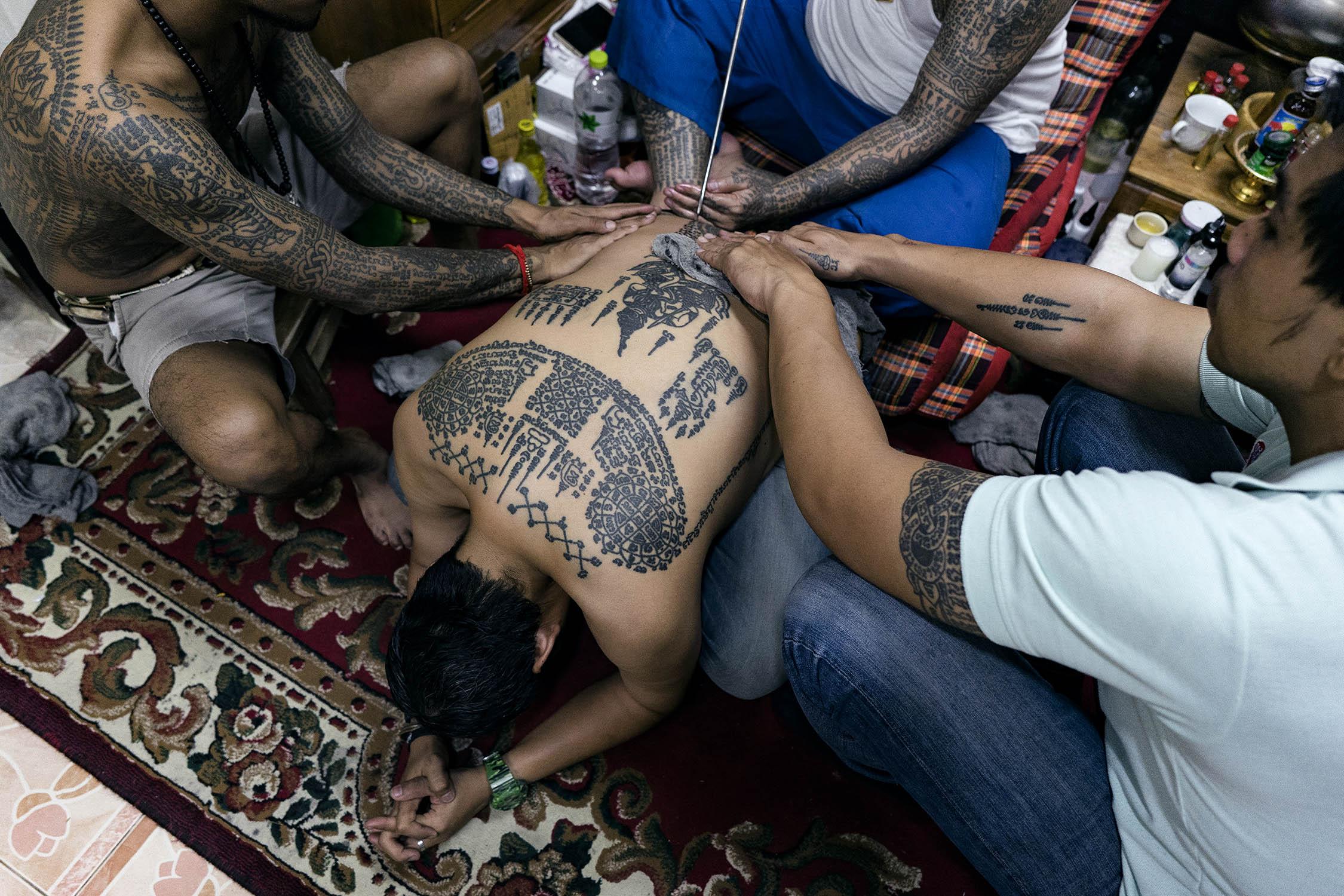 sak yant tattoo process