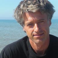 Worldwide expert on innovation and strategic thinking, author of SLINGSHOT.