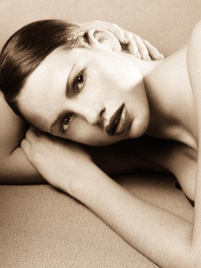 Kate B&W Beauty11x14crp.jpg