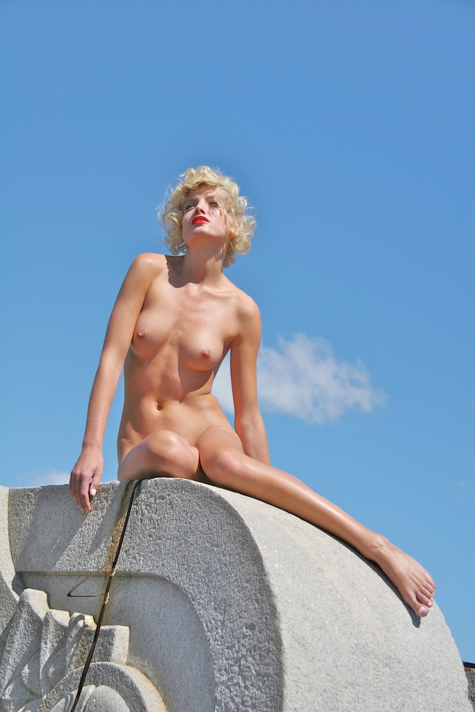 Eugenia Kuzmina, New York City, 2007 © Michael Angelo.jpg