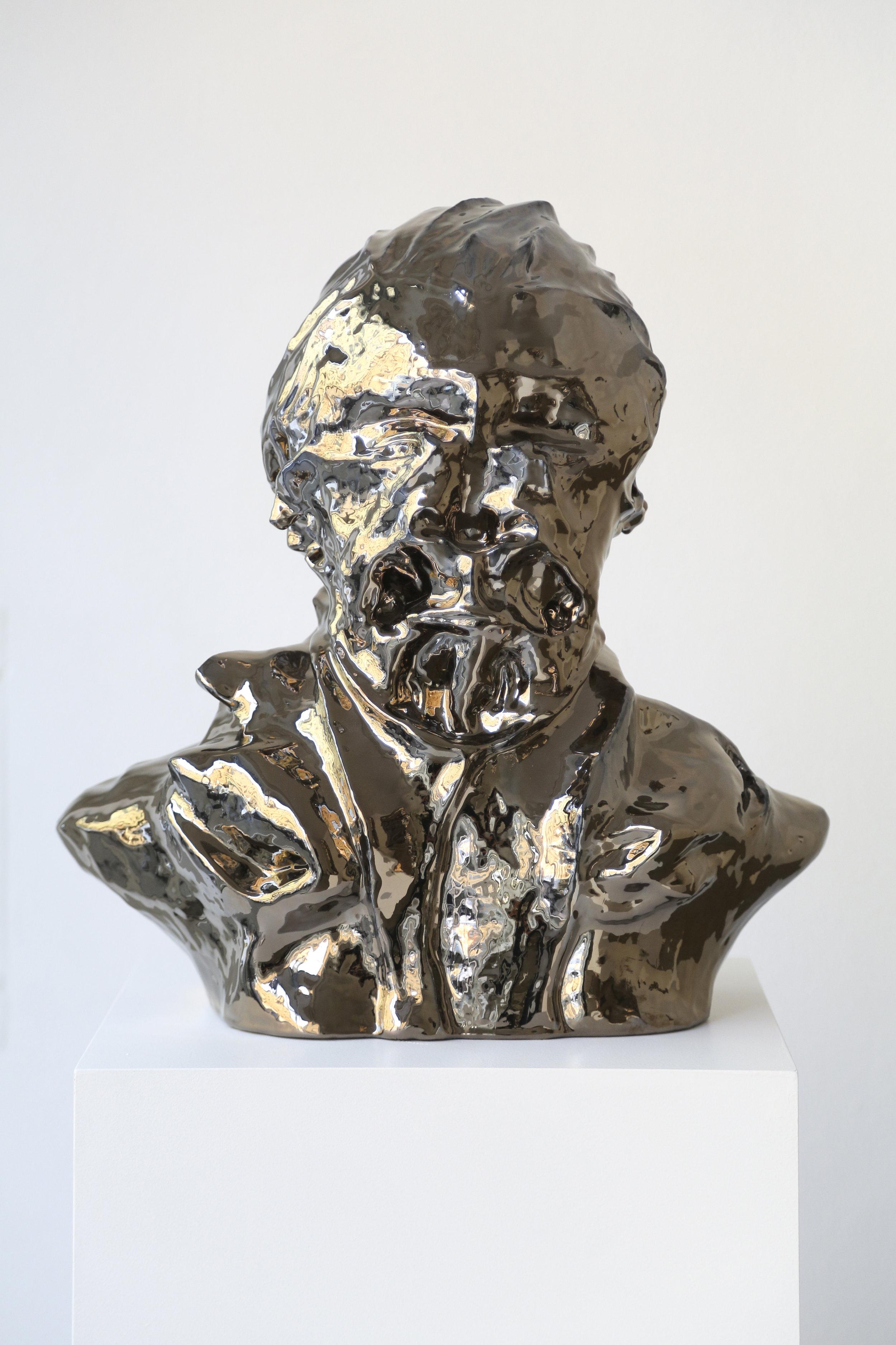 "Christian Gonzenbach, ""Eppesuig Idrev"" (Verdi), de la série ""Hcabneznog"", céramique émaillée au bronze"